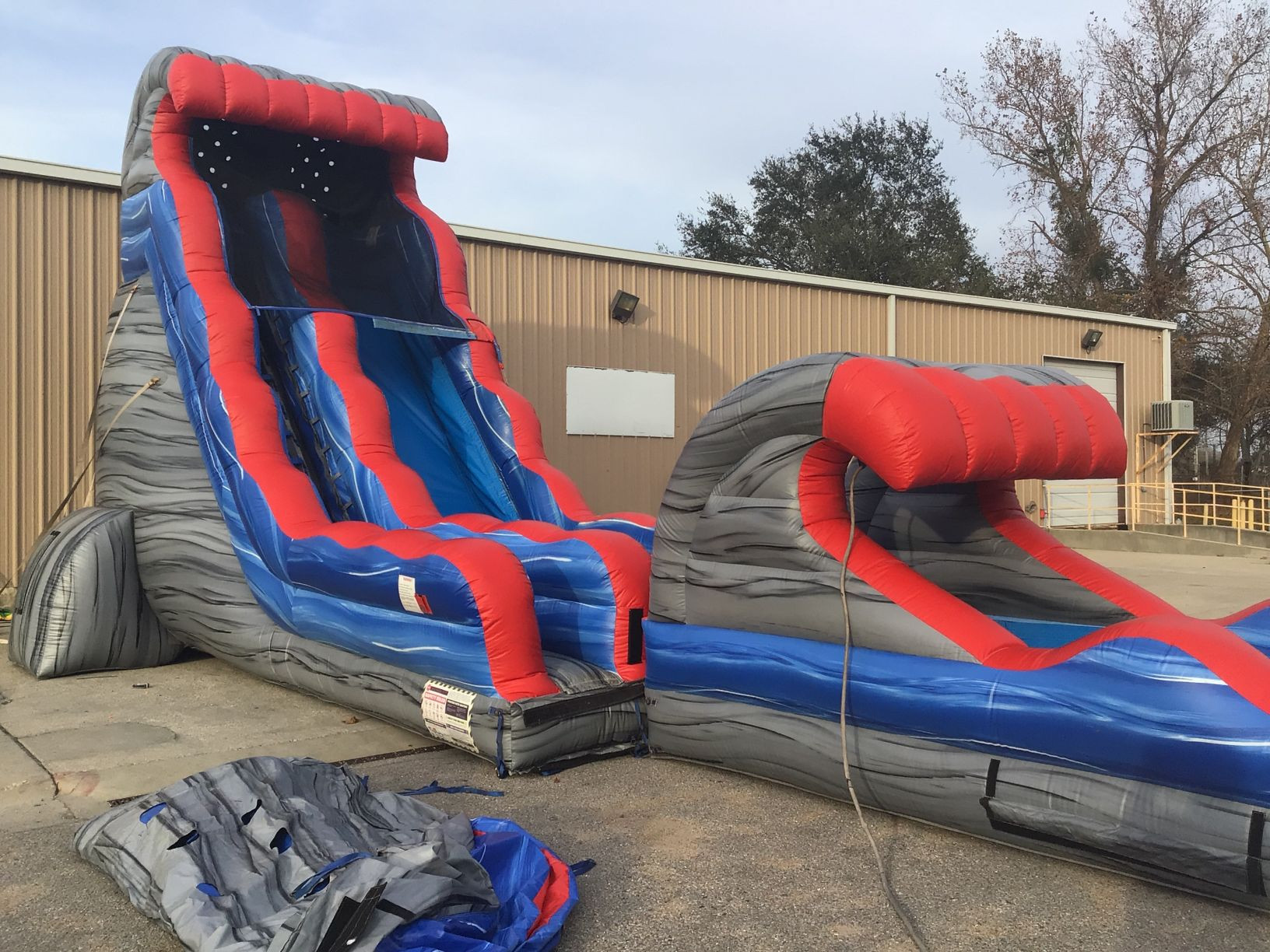 22' Rocky Tsunami Slide with Pool and Slip N Slide Attachments
